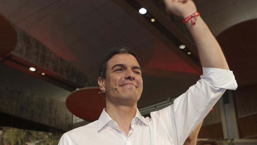 """Sánchez pide no caer en el desánimo y """"mirar al frente"""" en la recta final"""