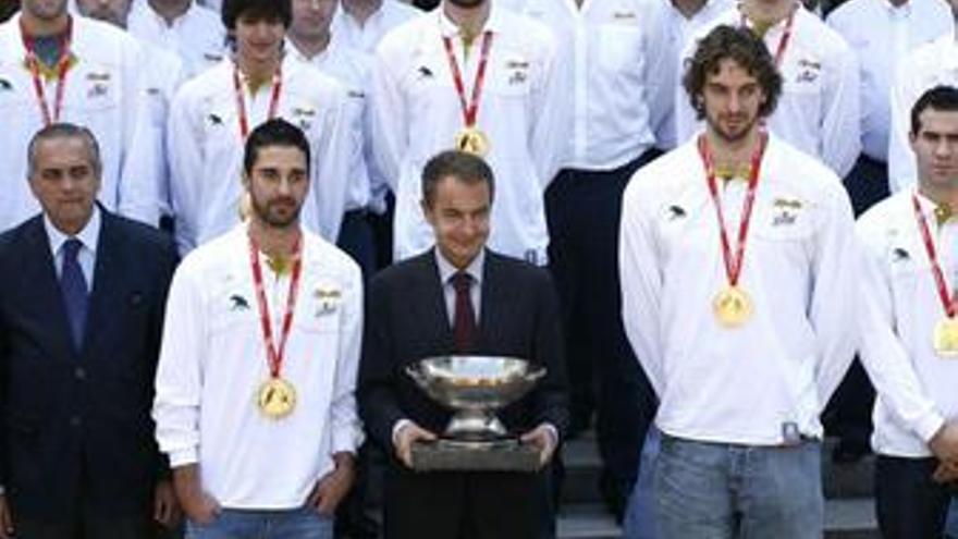 Zapatero con la selección de baloncesto