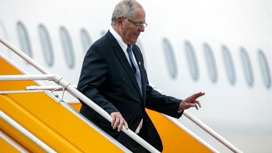 Los presidentes de México y Perú llegan a Vietnam para la cumbre del APEC