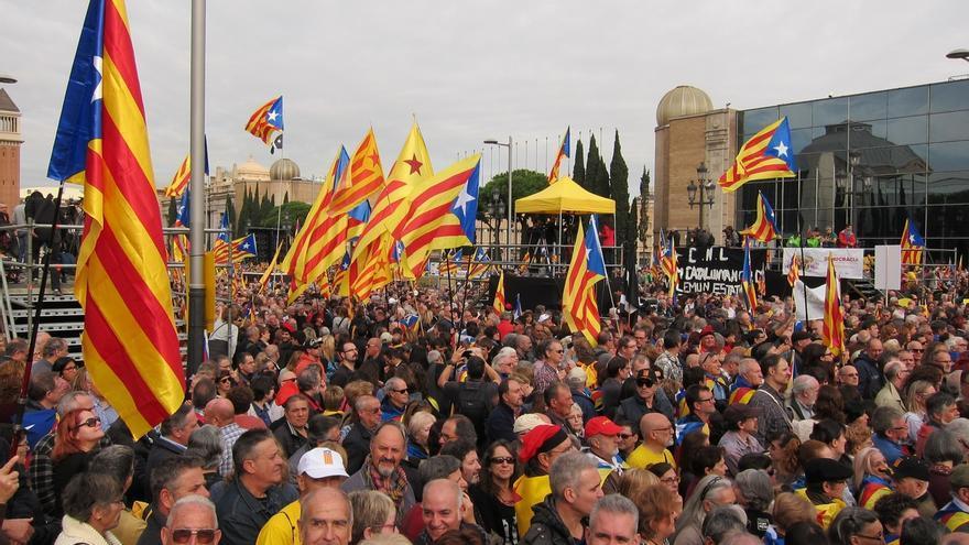 80.000 personas se concentran en Barcelona contra los procesos judiciales sobre la independencia