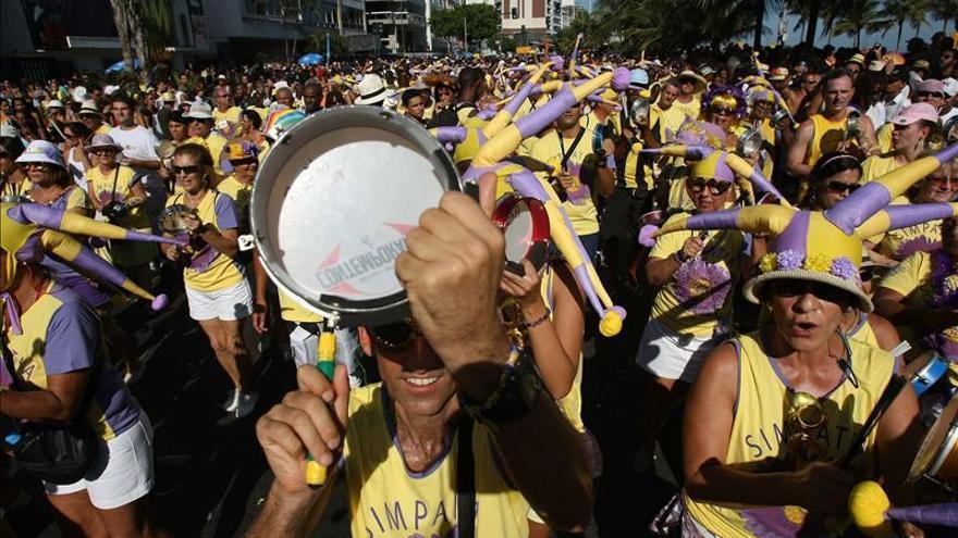 El Gobierno brasileño repartirá 68,6 millones de preservativos en el carnaval