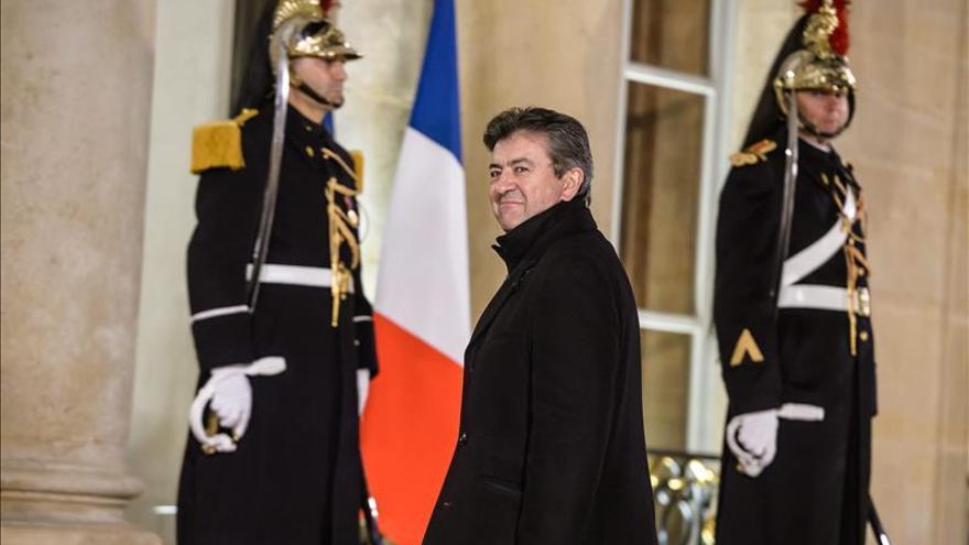 El izquierdista Mélenchon anuncia que será candidato a presidente de Francia
