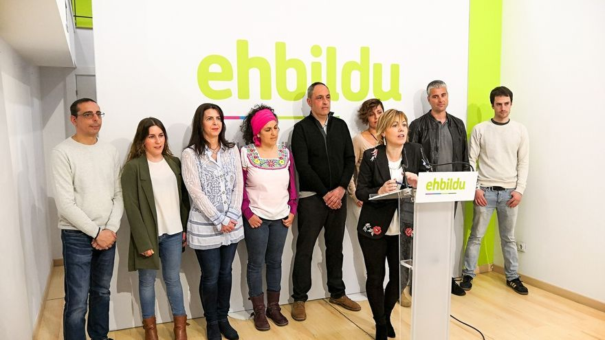 La portavoz de EH Bildu en Vitoria alegó en comisaría que tomó el DNI de una asesora y abrió una cuenta para hacerle un regalo