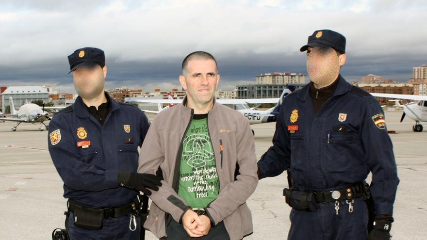 ETA- Trasladado desde Francia Ismael Berastegui, que participó en atentados con coche bomba en Barajas, Málaga y Salou