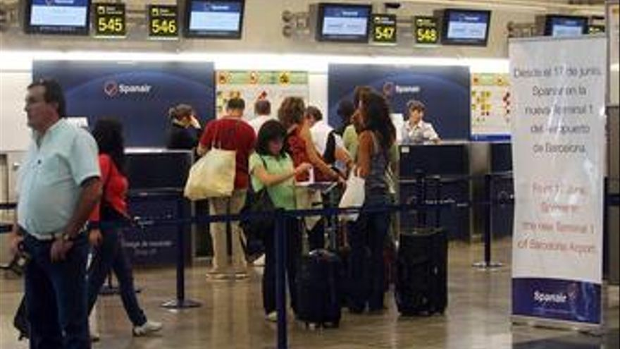 Turistas españoles en Barajas