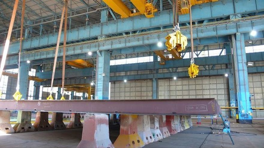 Trabajos de uno de los petroleros en el astillero de Puerto Real.