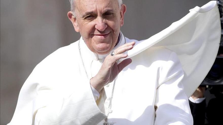 """El papa advierte de que somos """"víctimas"""" de una huida del compromiso perpetuo"""