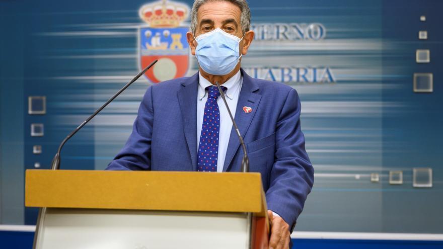 Revilla dice que Urkullu le ha confirmado cierre de País Vasco tras 9 de mayo