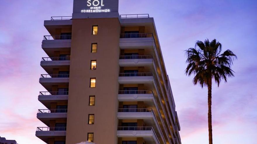 Aislados 9 turistas extranjeros en un hotel de Torremolinos por coronavirus