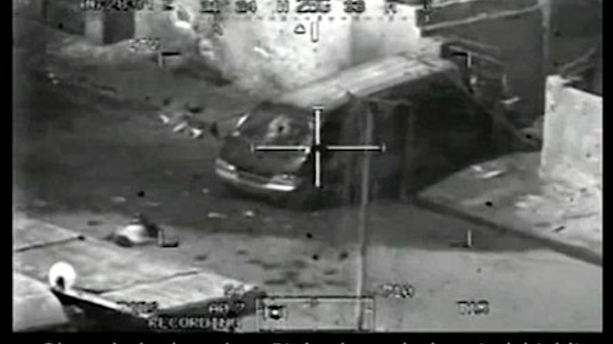 Imagen del ataque del Apache del vídeo 'Collateral Murder'.