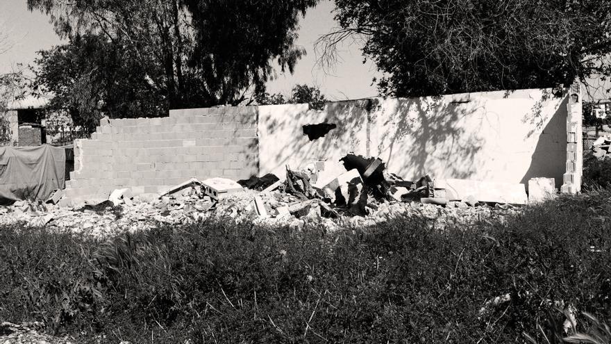 Ruinas de lo que fue la casa de María. No se recogen los restos de las casas demolidas para evitar nuevas construcciones en el mismo lugar