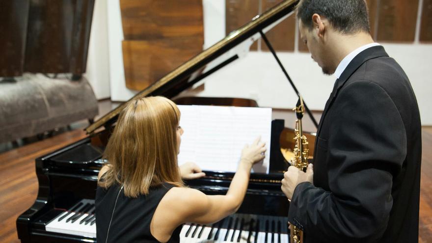 Laura Gordo y Diego Arrocha protagonizan el concierto.