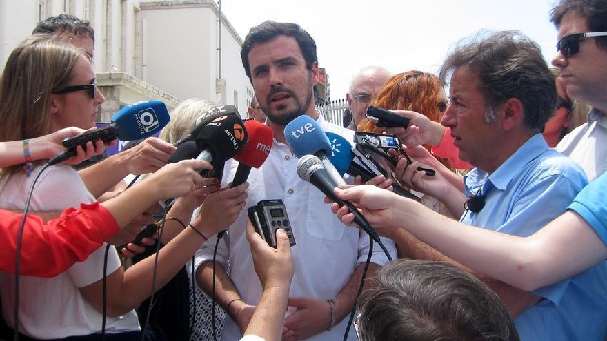 """Garzón (IU) tacha de """"muy hipócrita"""" que haya partidos que puedan cambiar su postura tras las municipales"""