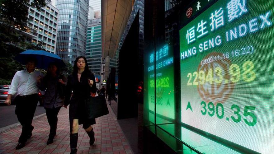 El Hang Seng sube un 1,08 % a media sesión