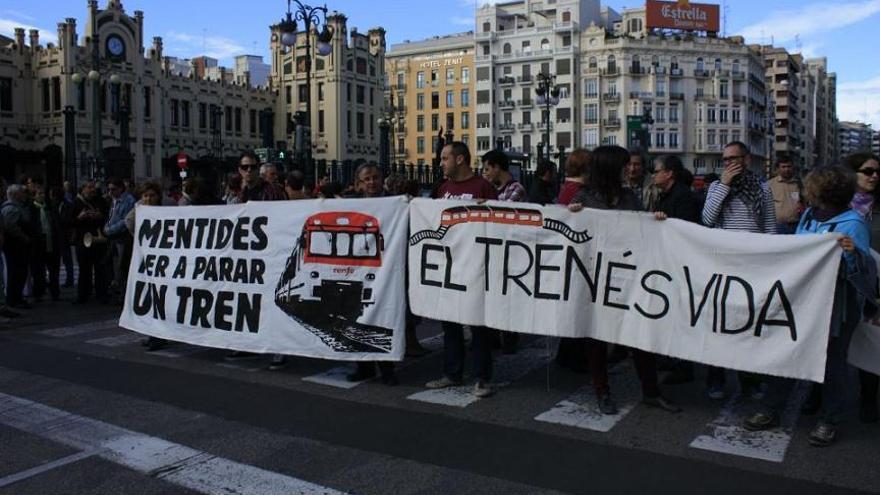 manifestación tren valencia