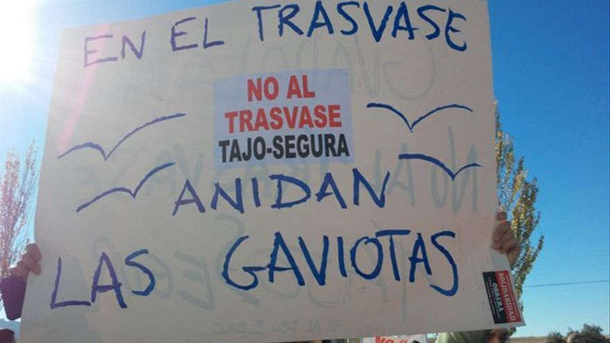 Manifestación en Guadalajara contra el trasvase Tajo-Segura. Foto: Twitter (@IU_Guadalajara)