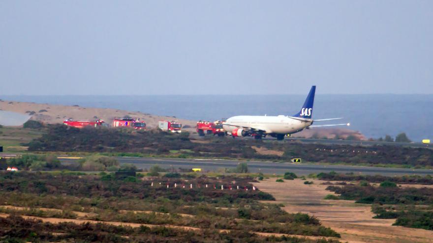 Imagen del avión que este sábado aterrizó de emergencia en Gran Canaria | Orlando Rodríguez