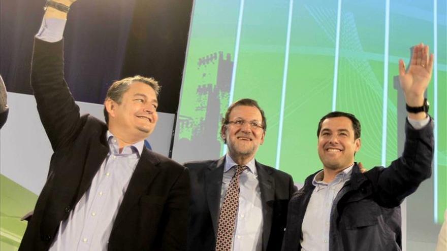 Rajoy y Moreno apelan al voto útil al PP como única alternativa en Andalucía
