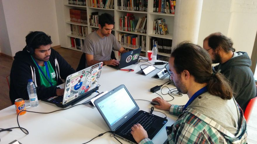 Parte del equipo de Proyecto Tor trabajando en el Circumvention Tech Festival en Valencia / Foto: Marilín Gonzalo