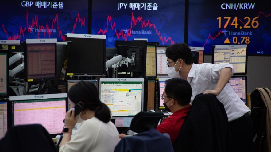 La bolsa de Seúl gana un 1 % gracias al rebote en Wall Street