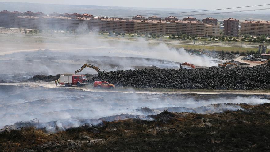 Tareas de retirada de neumáticos en Seseña (Toledo)