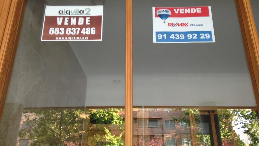 Parejas sin hijos en pisos de 60 m2, 650 euros al mes y dos años de estancia, el perfil del inquilino en Bilbao