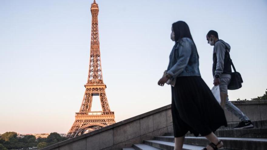 Francia registra 28.530 muertos por coronavirus