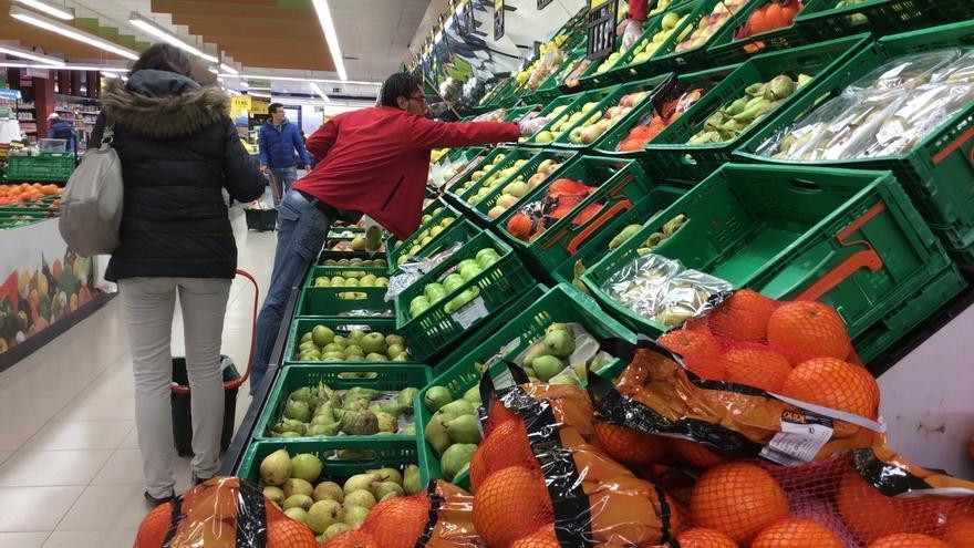 (Ampl.) El 10% de los trabajadores no puede ni siquiera hacer frente al gasto de la alimentación, según UGT