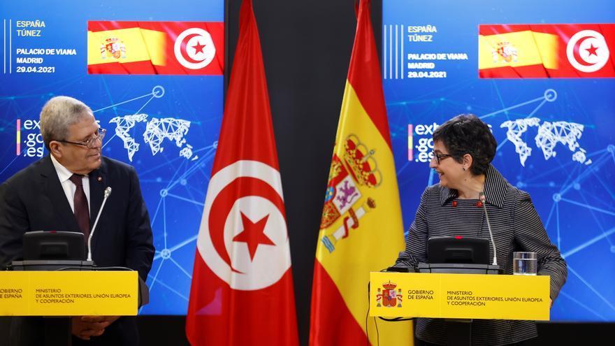 """España y Túnez ofrecen """"apoyo socioeconómico"""" a los tunecinos que retornen"""