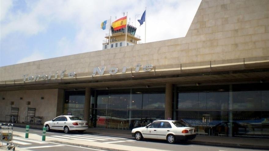Fachada del recinto aeroportuario de La Laguna, conocido como Los Rodeos-Tenerife Norte
