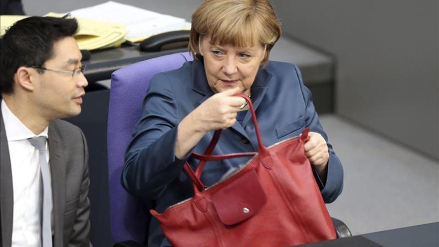 Merkel asegura que tiene intención de gobernar cuatro años más