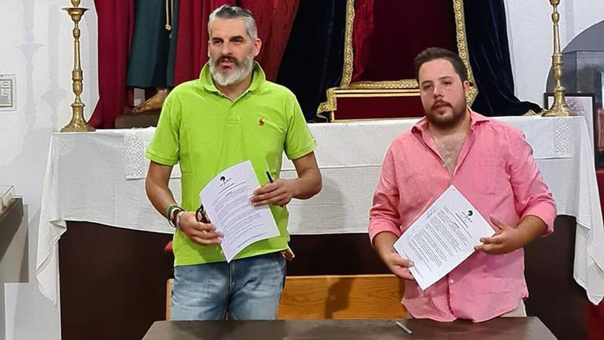 Firma del contrato de hechura de Santiago Apóstol | AGRUPACIÓN PARROQUIAL DE LA SALUD