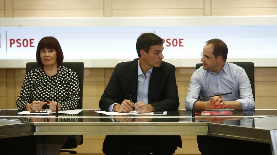 Simancas y varios alcaldes socialistas de Madrid apoyan a Pedro Sánchez en Twitter