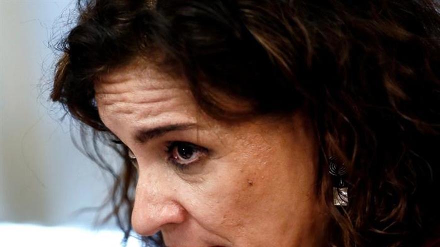 Montero: Hay que reordenar las competencias municipales para su financiación