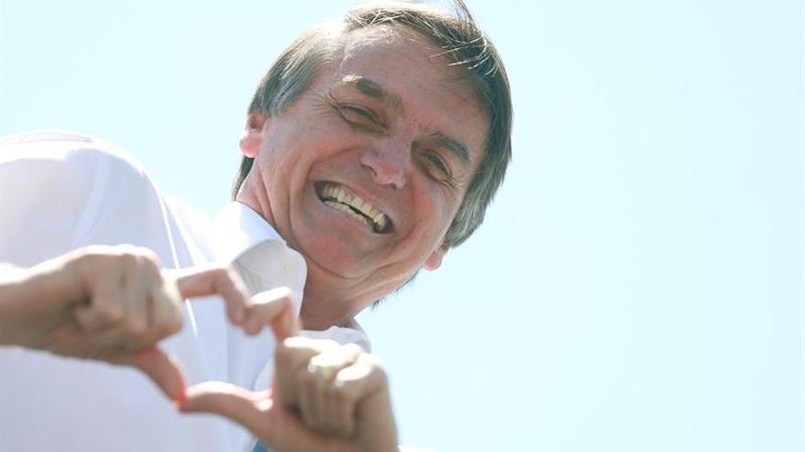Candidato ultraderechista a la presidencia de Brasil amplía su ventaja a 10 puntos