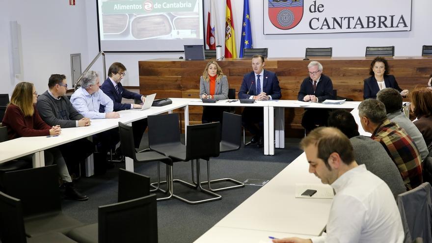 """Gobierno y conserveros """"inician los trámites"""" para la consecución de la IGP de la anchoa del Cantábrico"""