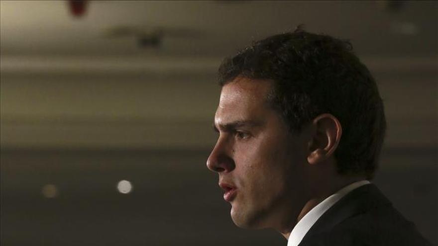 Rivera cree que la regeneración democrática pasa por los nacidos en democracia