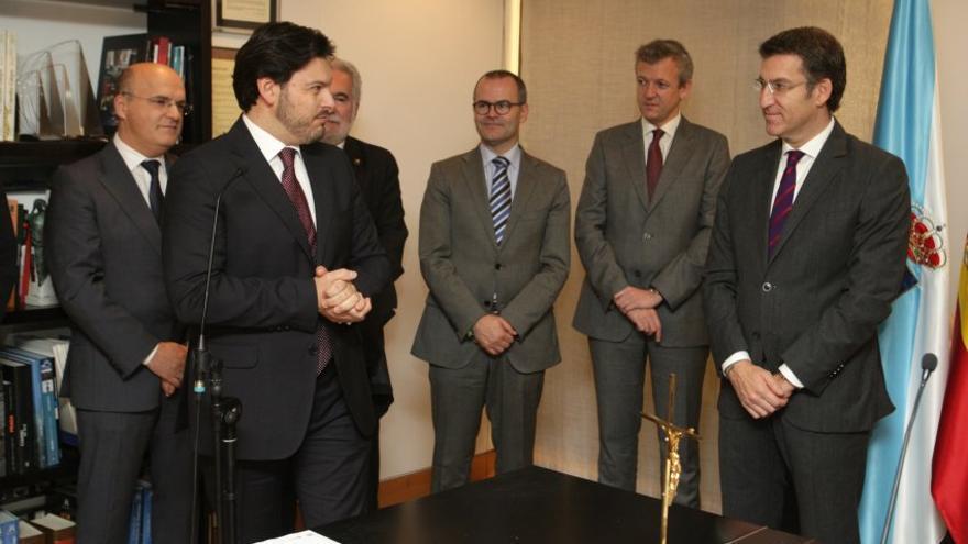 Alberto Núñez Feijóo en la toma de posesión de Santiago Rodríguez Miranda como secretario general de Emigración en 2012.