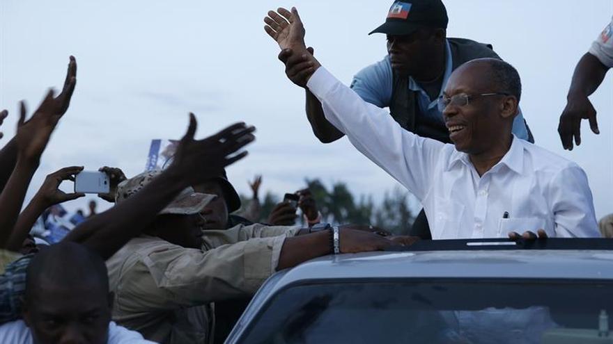 El expresidente Aristide se recupera tras un vahído en una actividad política