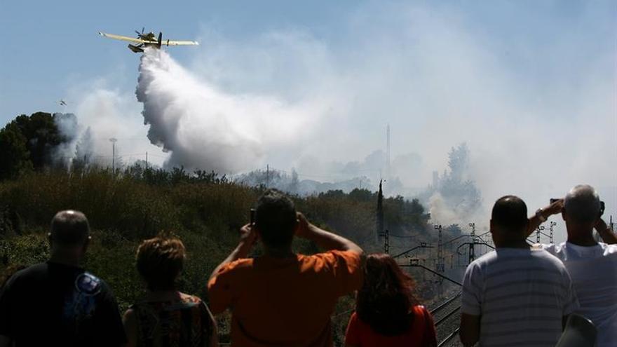 Los bomberos controlan el incendio de Margalef, en Tarragona