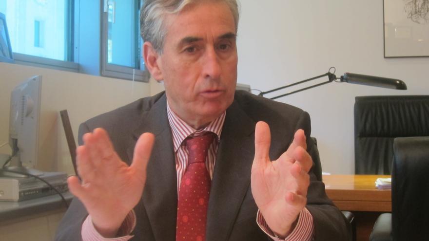 """Jáuregui defiende la fórmula PNV-PSE para el Gobierno vasco porque tiene """"muchas más virtudes"""" que otras"""