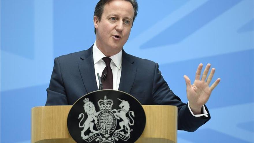 Cameron congelará los sueldos de los miembros de su Gobierno