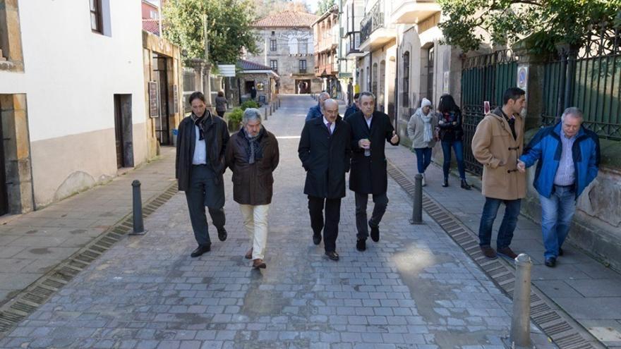 Obras Públicas invierte cerca de 150.000 euros en la mejora del firme del casco histórico