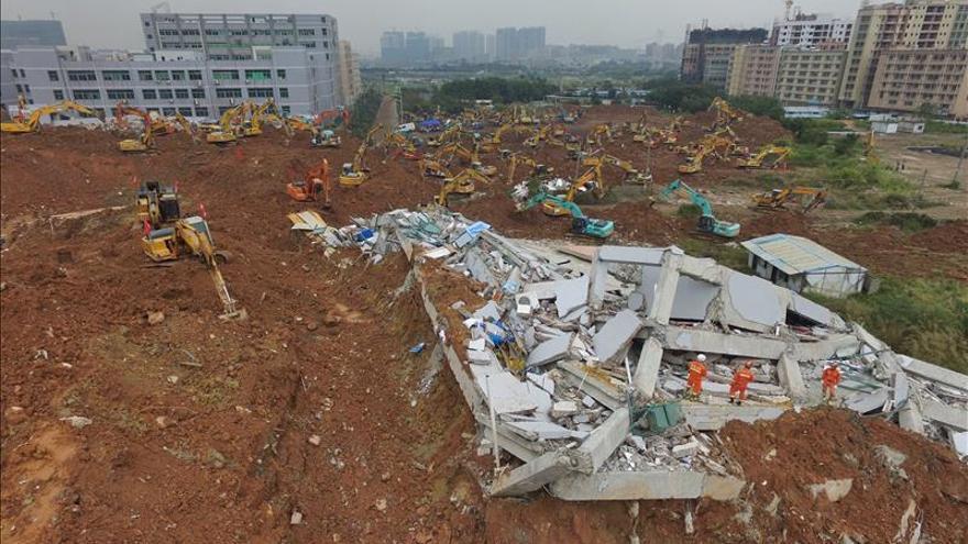 Un ex alto cargo chino se suicida tras el alud en el desaparecieron 75 personas