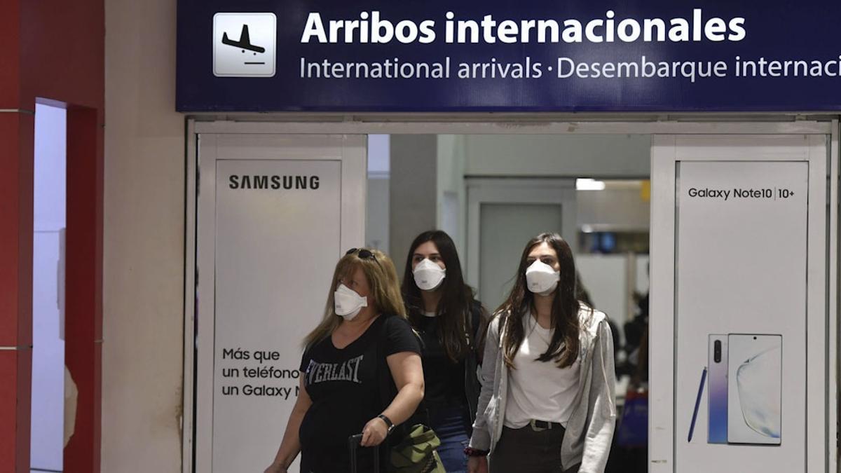 Preocupa la vuelta de los argentinos que viajaron al exterior.
