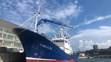 El 'Aita Mari' en el puerto de Pasaia