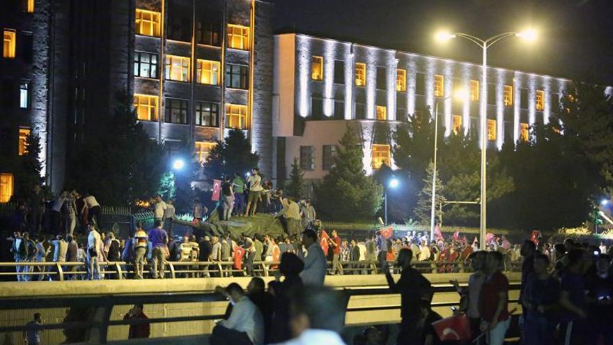 Marruecos llama a mantener orden constitucional en Turquía tras intento golpe