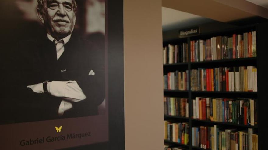 """Decenas de libros """"explotan"""" por la paz de Colombia"""