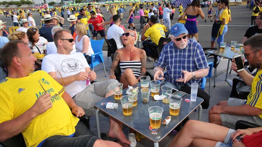 5f4120ba98ed8 FOTOGALERÍA | 'Fan Zone' antes del partido entre Las Palmas y el ...