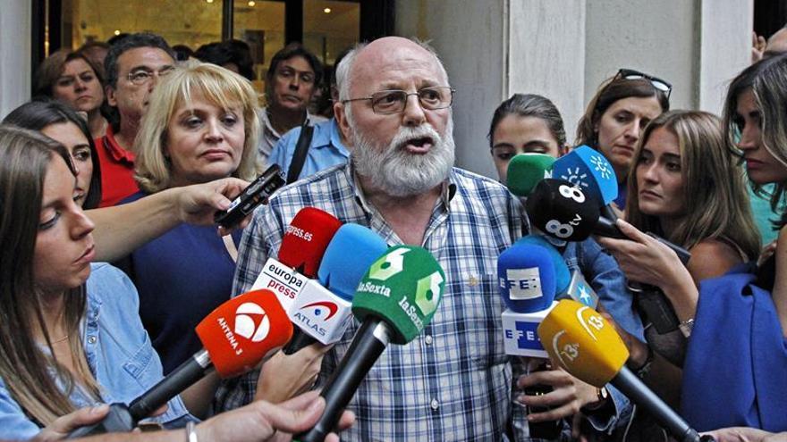 """Izquierda Socialista achaca la crisis del PSOE a """"intereses derechistas"""""""